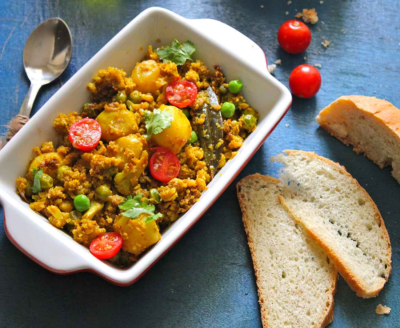 Gobi and soya keema recipe by archanas kitchen a brilliant combination of grated gobi and soya chunksgranules cooked in indian spices makes a perfect side dish with phulkas for a great weeknight meal forumfinder Choice Image