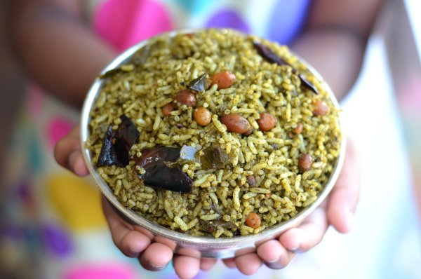 Andhra style gongura pulihora recipe spicy red roselle leaves andhra style gongura pulihora recipe spicy red roselle leaves rice forumfinder Images