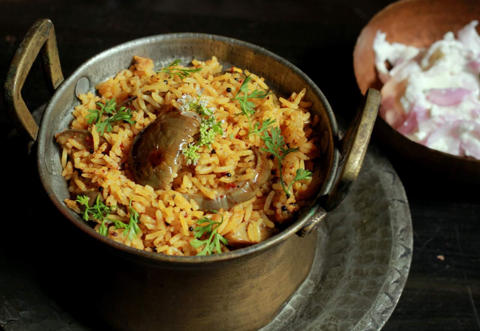 Vaangi bhaat recipe maharashtrian style brinjal rice by vaangi bhaat recipe maharashtrian style brinjal rice forumfinder Images