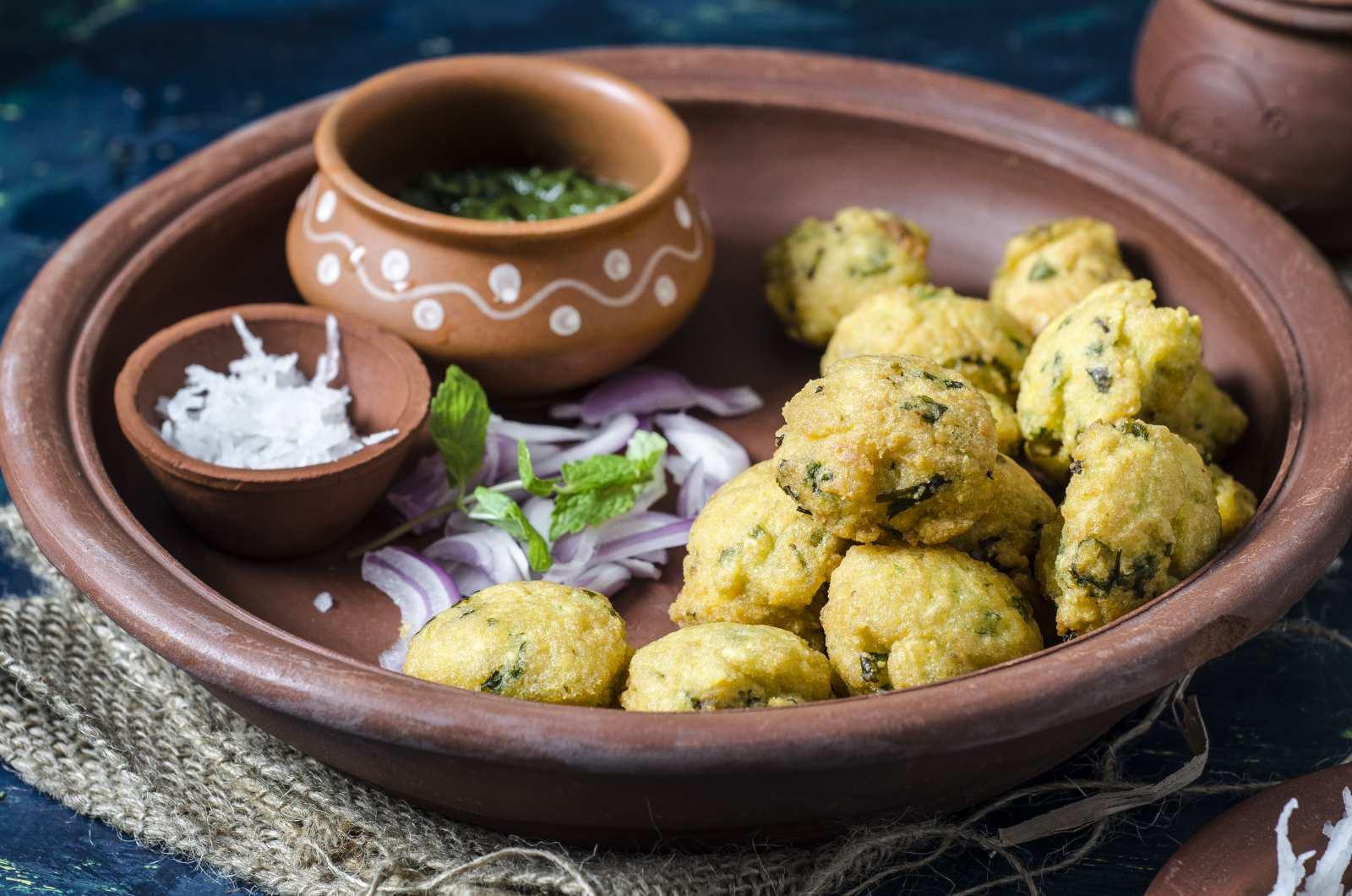 Ram ladoo recipe gul gule street food of delhi by archanas ram ladoo recipe gul gule street food of delhi forumfinder Choice Image