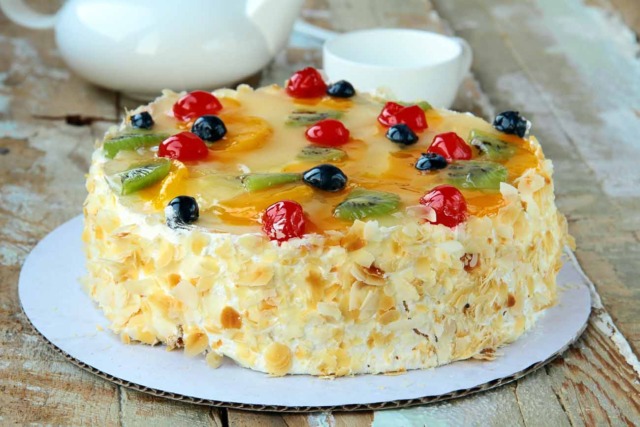 French Gteaux Recipe Layered Fruit and Cream Cake by Archanas