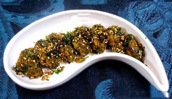 Kothimbir vadi recipe maharashtrian coriander fritters by kothimbir vadi recipe maharashtrian coriander fritters forumfinder Images
