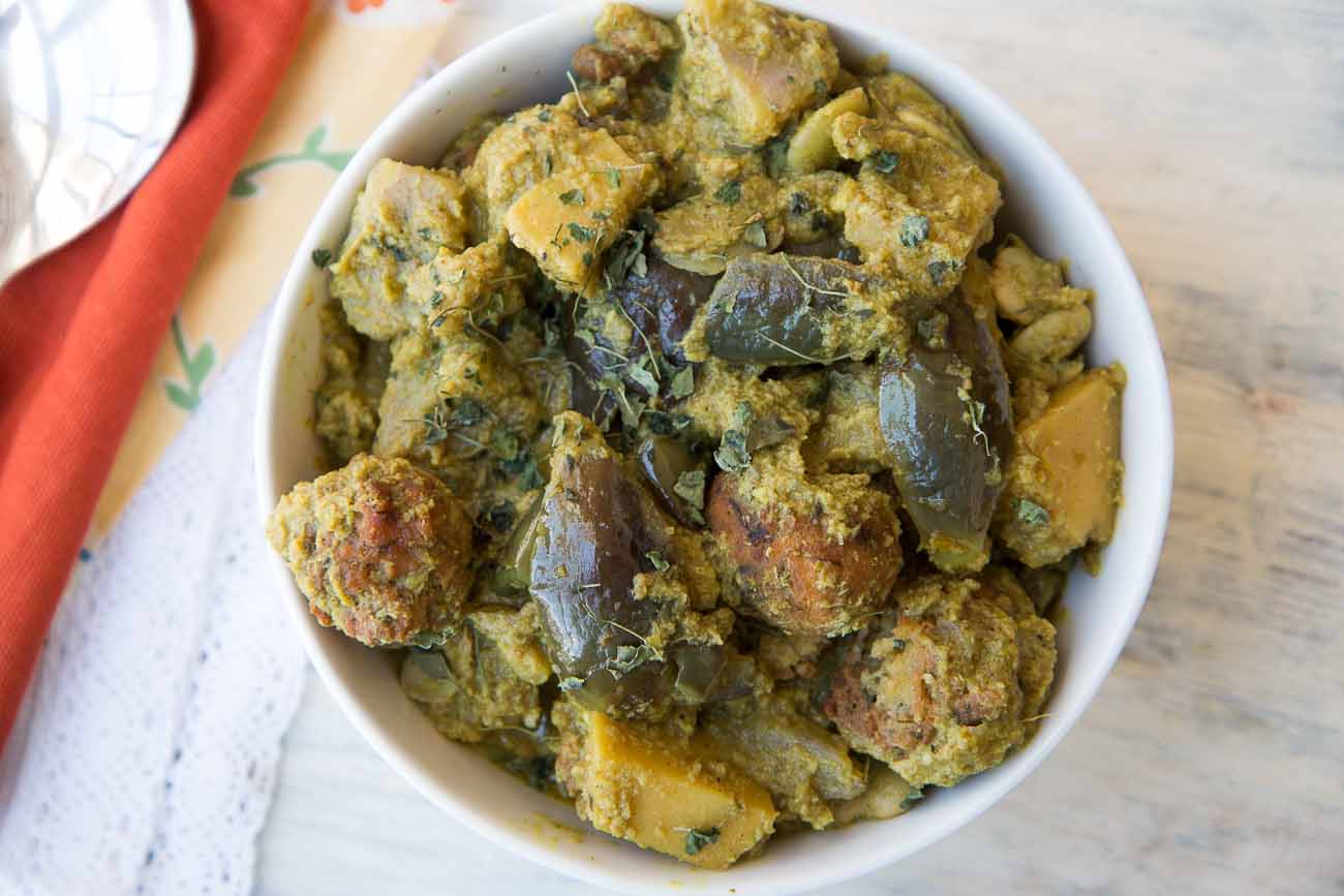 Gujarati undhiyu recipe a spicy mixed vegetable with fenugreek gujarati undhiyu recipe a spicy mixed vegetable with fenugreek dumplings forumfinder Gallery