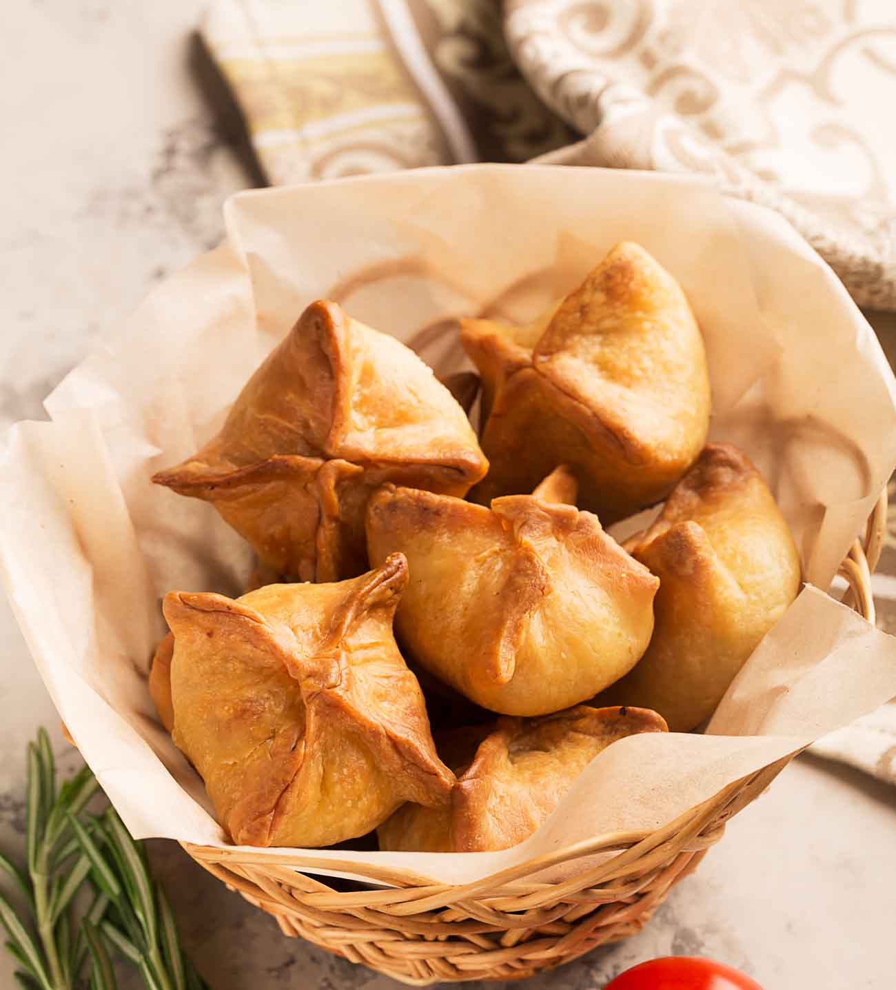 Vegetarian chinese samosa recipe by archanas kitchen vegetarian chinese samosa recipe forumfinder Images