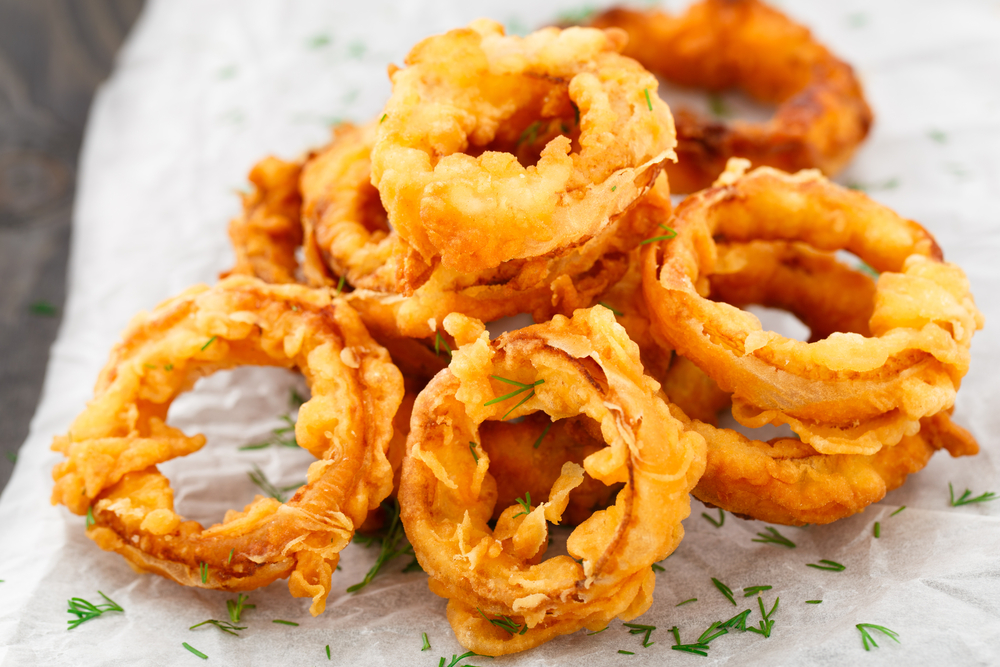 Spicy indian style onion rings recipe by archanas kitchen onion rings to dunk in dhaniya pudina chutney forumfinder Image collections