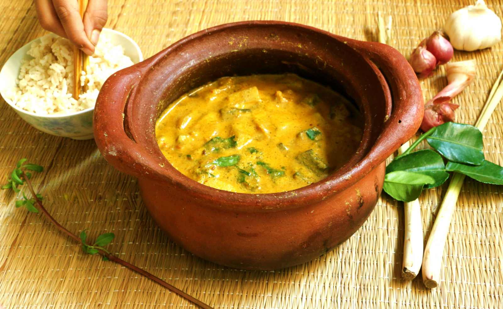 Thai Kitchen Yellow Curry Thai Yellow Curry Recipe By Archanas Kitchen Simple Recipes