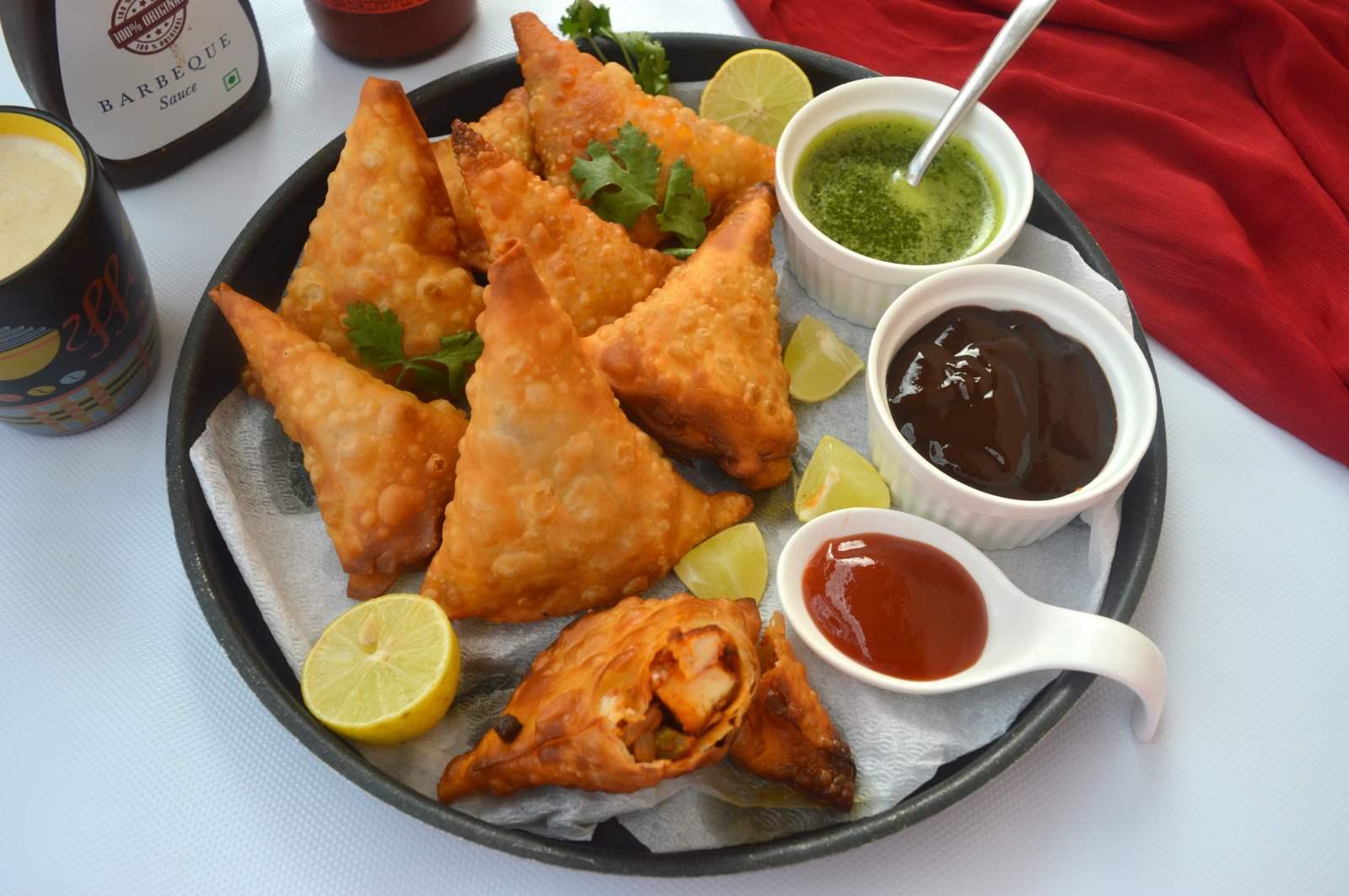 Tandoori kitchen - Tandoori Paneer Samosa Recipe With Baked Option
