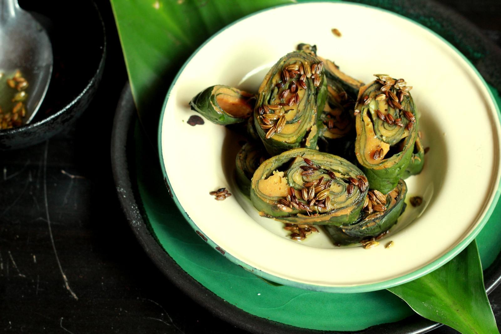 Alu vadi or patrode recipe maharashtrian snack with colocasia alu vadi or patrode recipe maharashtrian snack with colocasia leaves forumfinder Images