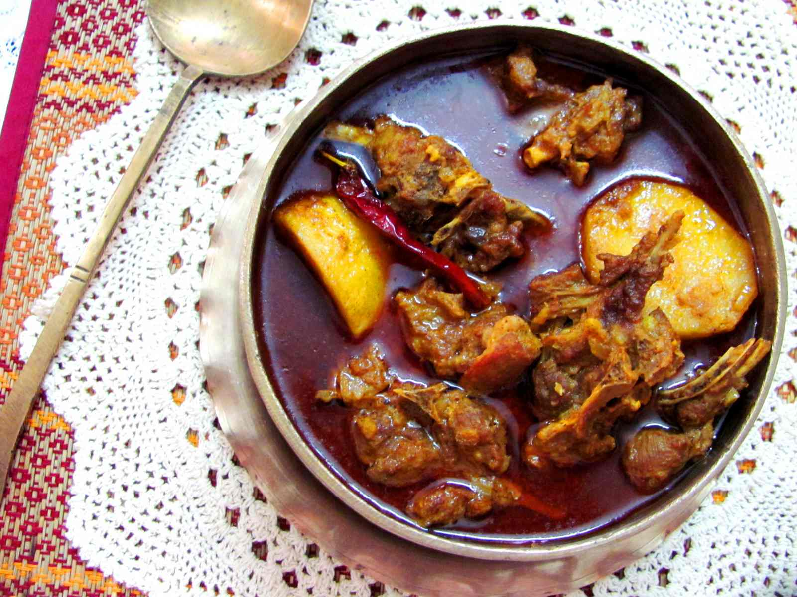 Mangsher jhol recipe bengali style mutton curry by archanas kitchen mangsher jhol recipe bengali style mutton curry forumfinder Image collections