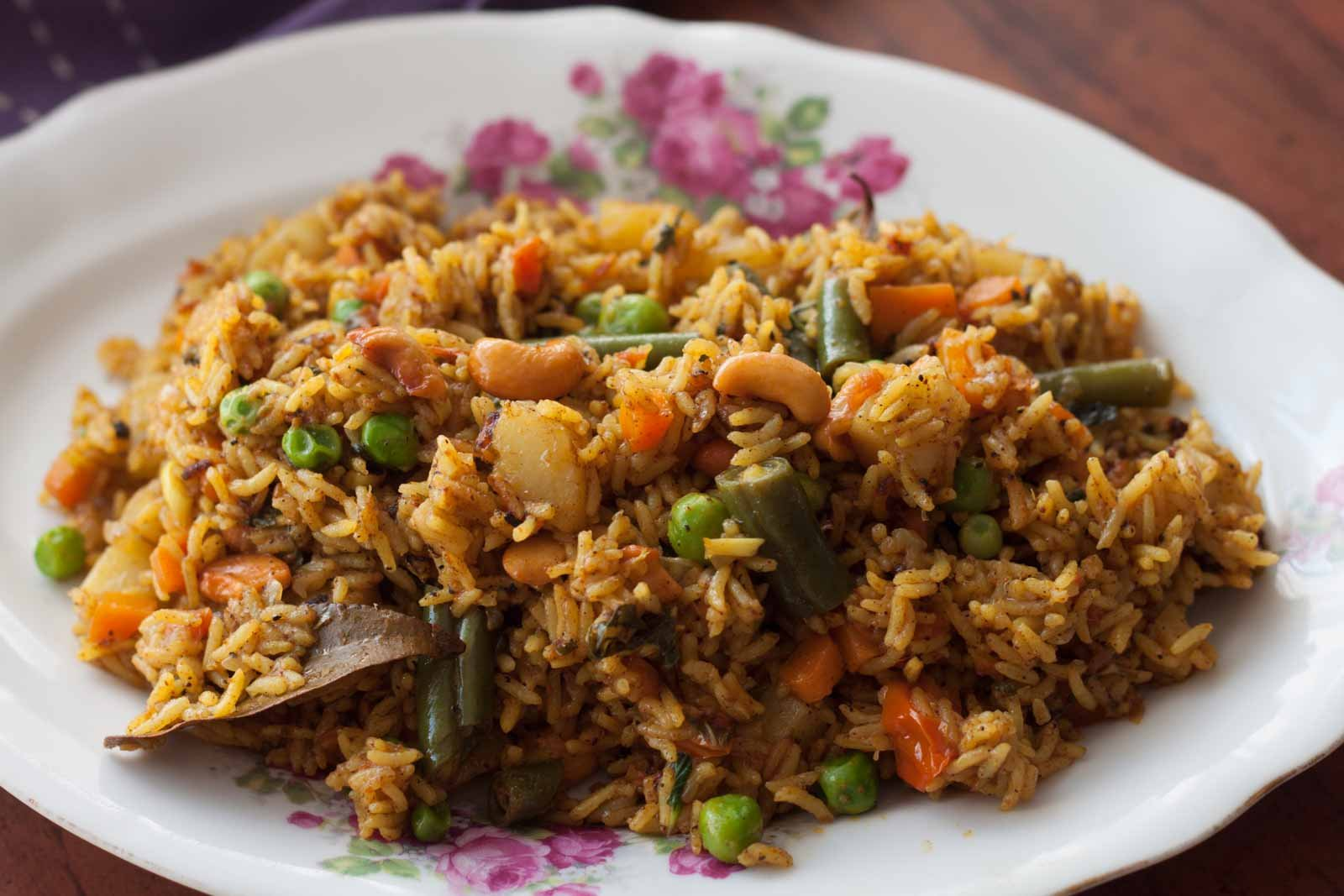 Chettinad vegetable biryani recipe by archanas kitchen chettinad vegetable biryani recipe forumfinder Gallery