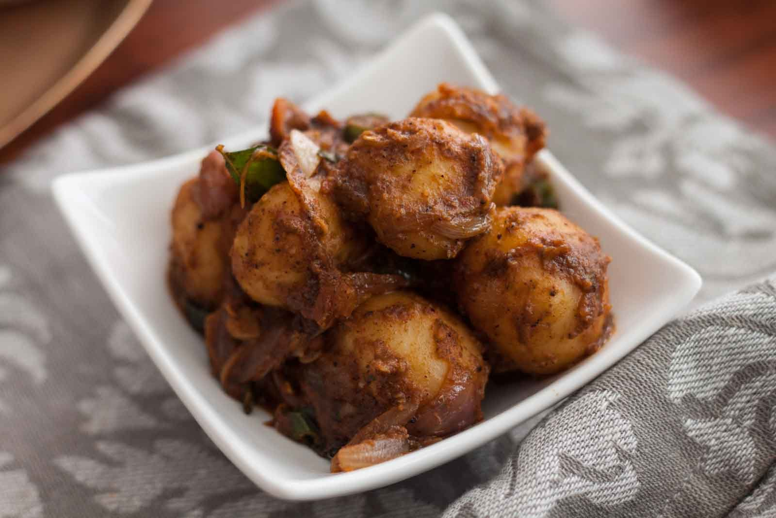 Chettinad style urali roast recipe spicy baby potatoes roast chettinad style urali roast recipe spicy baby potatoes roast recipe forumfinder Image collections