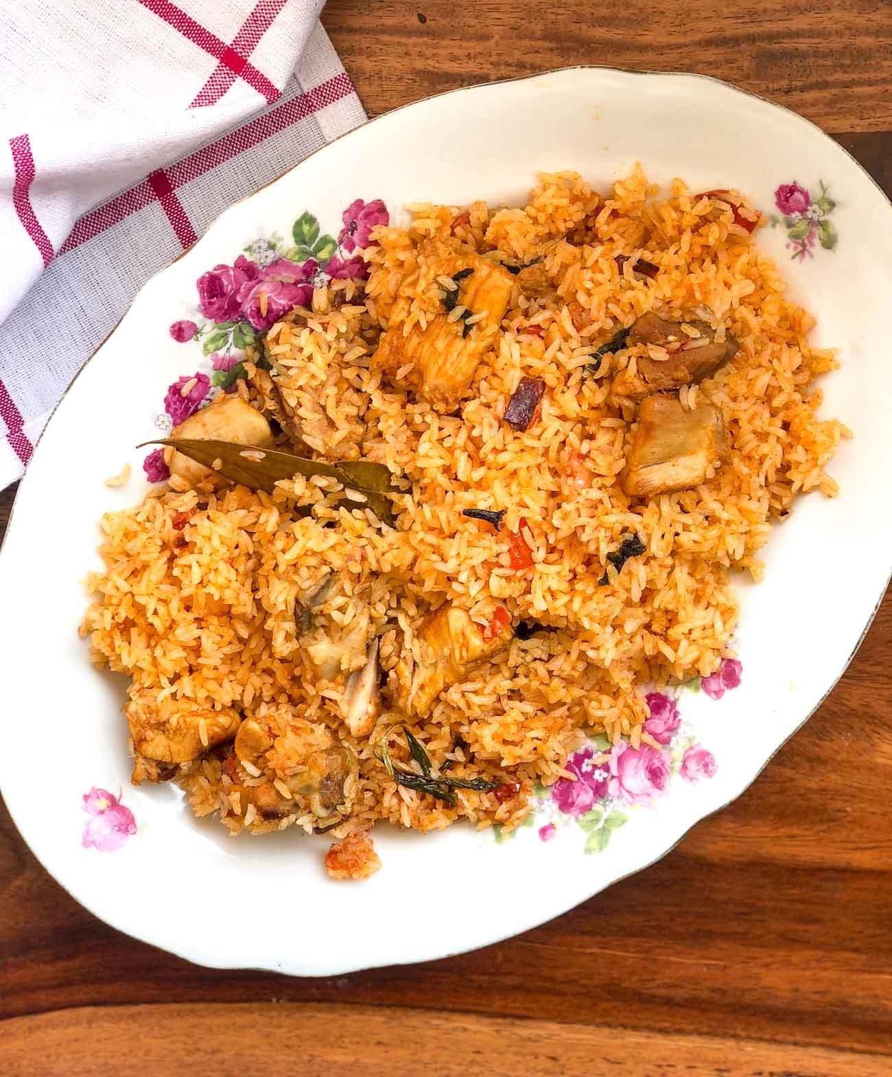 Ambur star chicken biryani recipe by archanas kitchen this biryani is a popular mildly spiced biryani from ambur in tamil nadu with succulent pieces of chicken cooked to perfection forumfinder Gallery