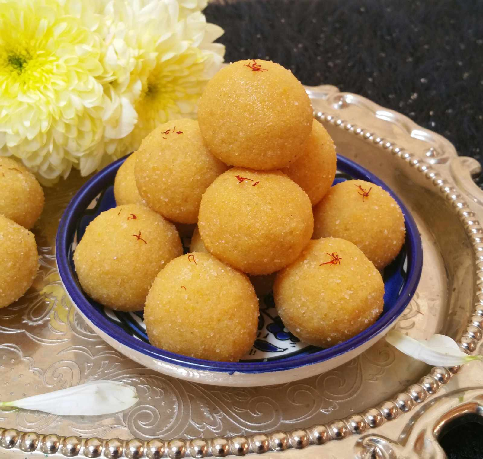 Moong dal ladoo recipe by archanas kitchen moong dal ladoo recipe forumfinder