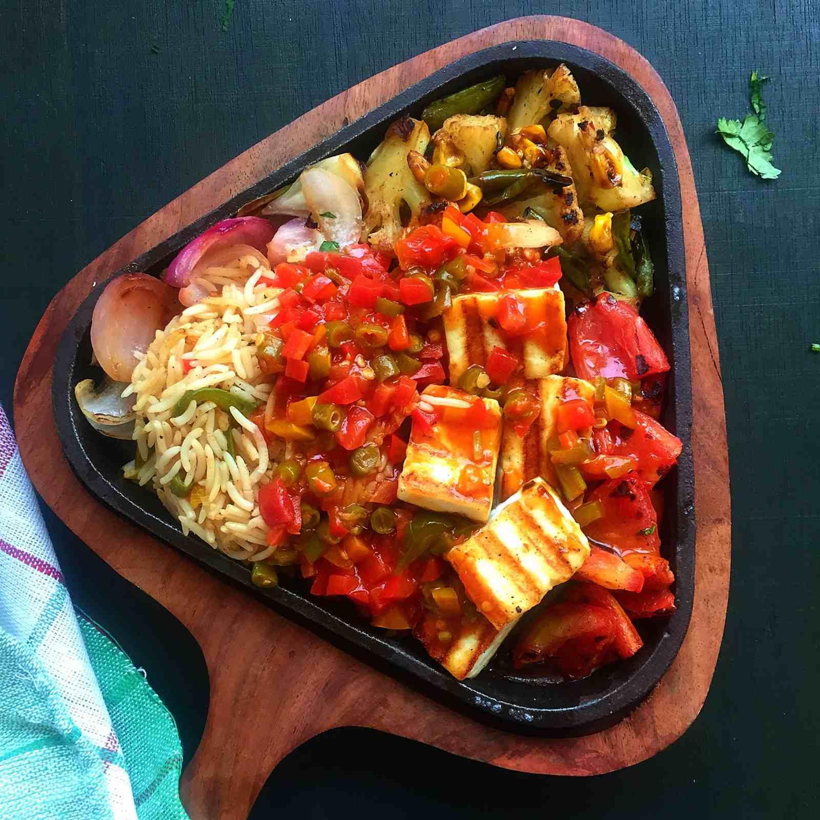 Paneer sizzler recipe in chilli garlic sauce with rice by archanas paneer sizzler recipe in chilli garlic sauce with rice forumfinder Image collections