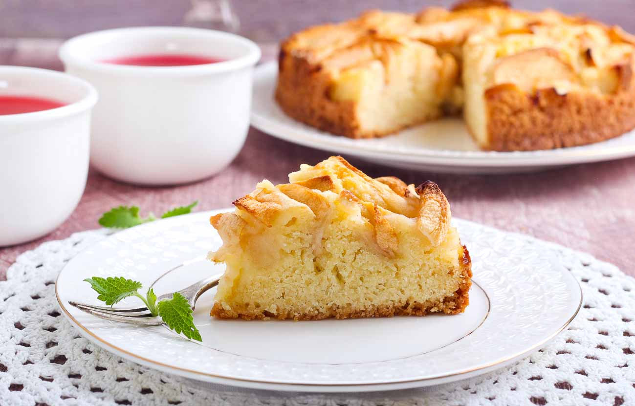 Soft Apple Cake