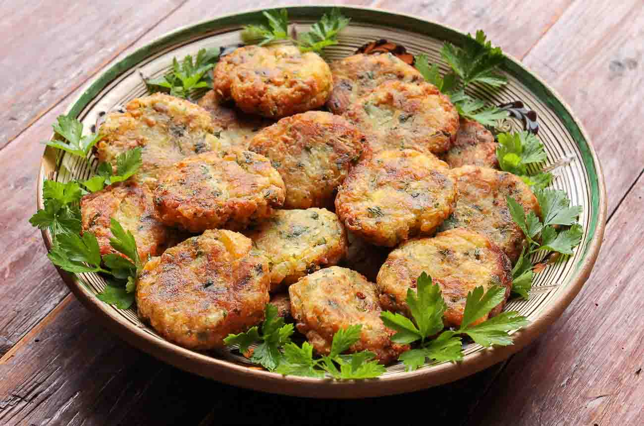 how to make aloo ki tikki