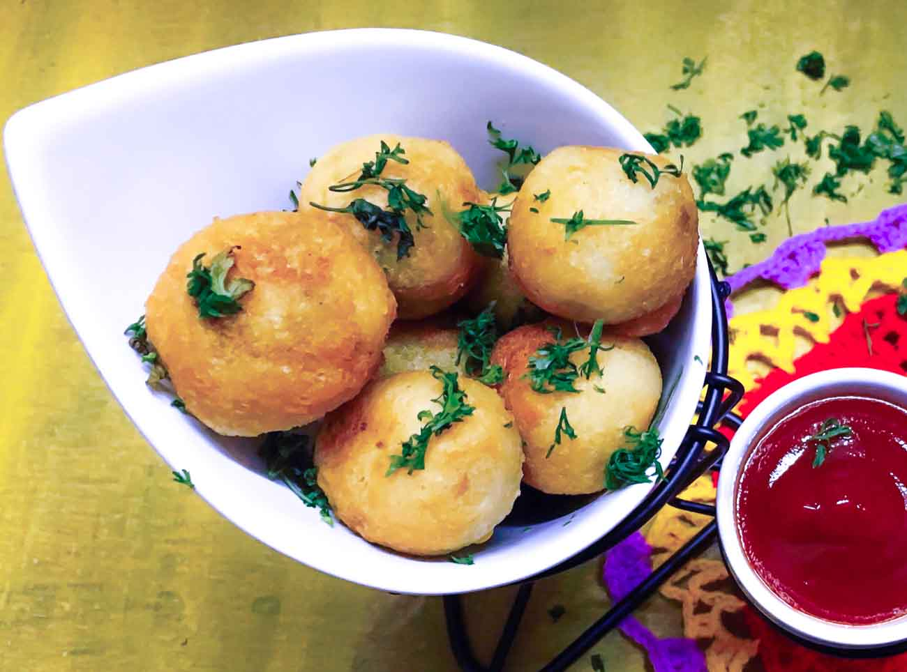 Bread Batata Vada Recipe-Crispy Bread Bonda Stuffed With Spicy Aloo
