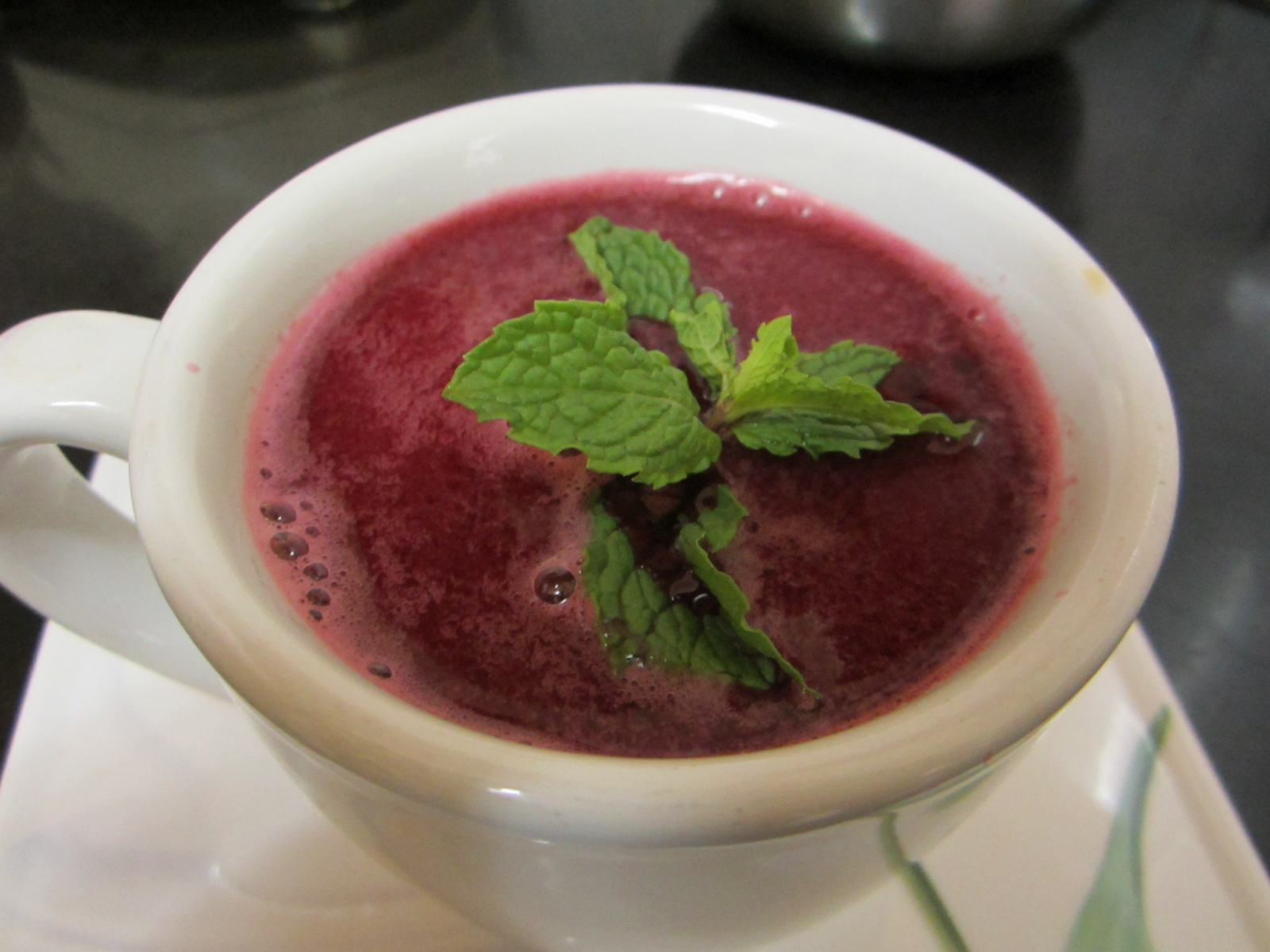 Tangy Red Purifier – Tomato Beetroot Juice Recipe