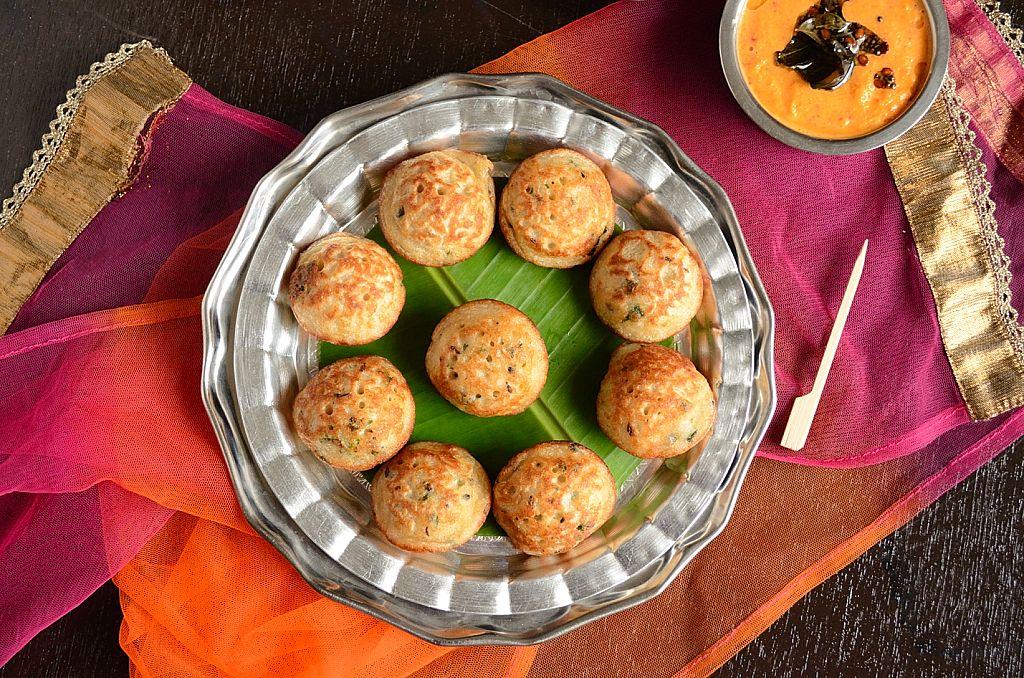 Instant Masala Oats Kuzhi Paniyaram Recipe