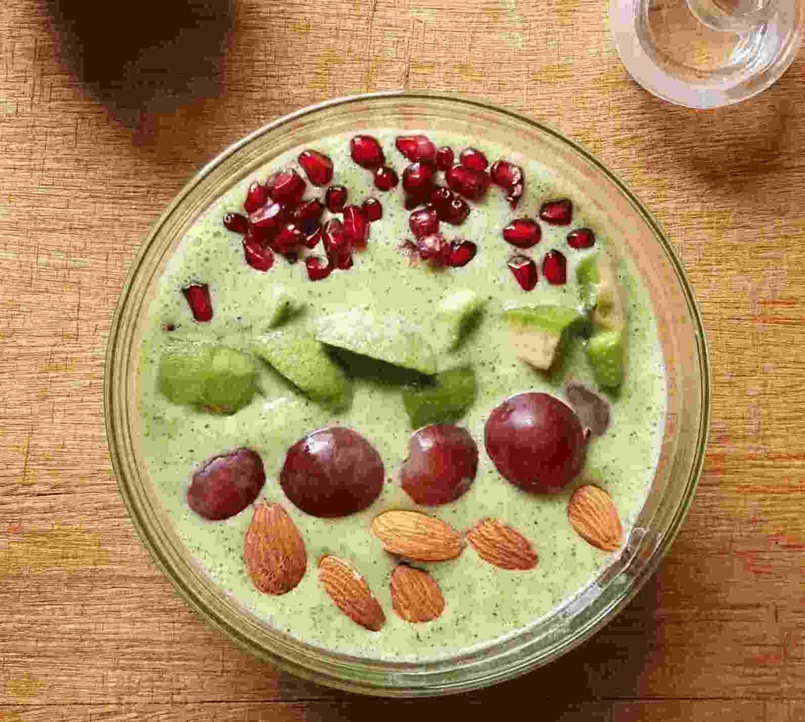 Broccoli Oats Smoothie Bowl Recipe