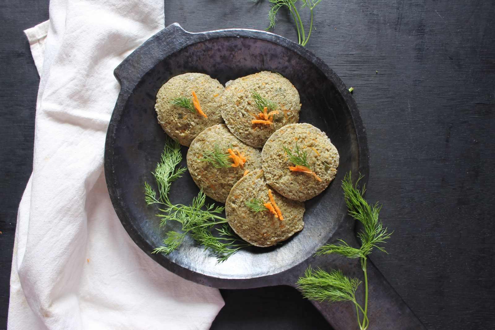 Green Moong Dal And Vegetable Idli Recipe