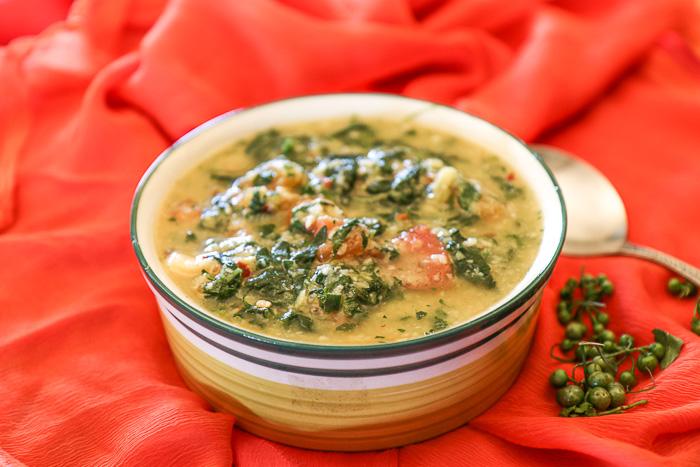 Manathakkali Keerai Molagootal Recipe – Kootu Green And Lentil Curry In Coconut
