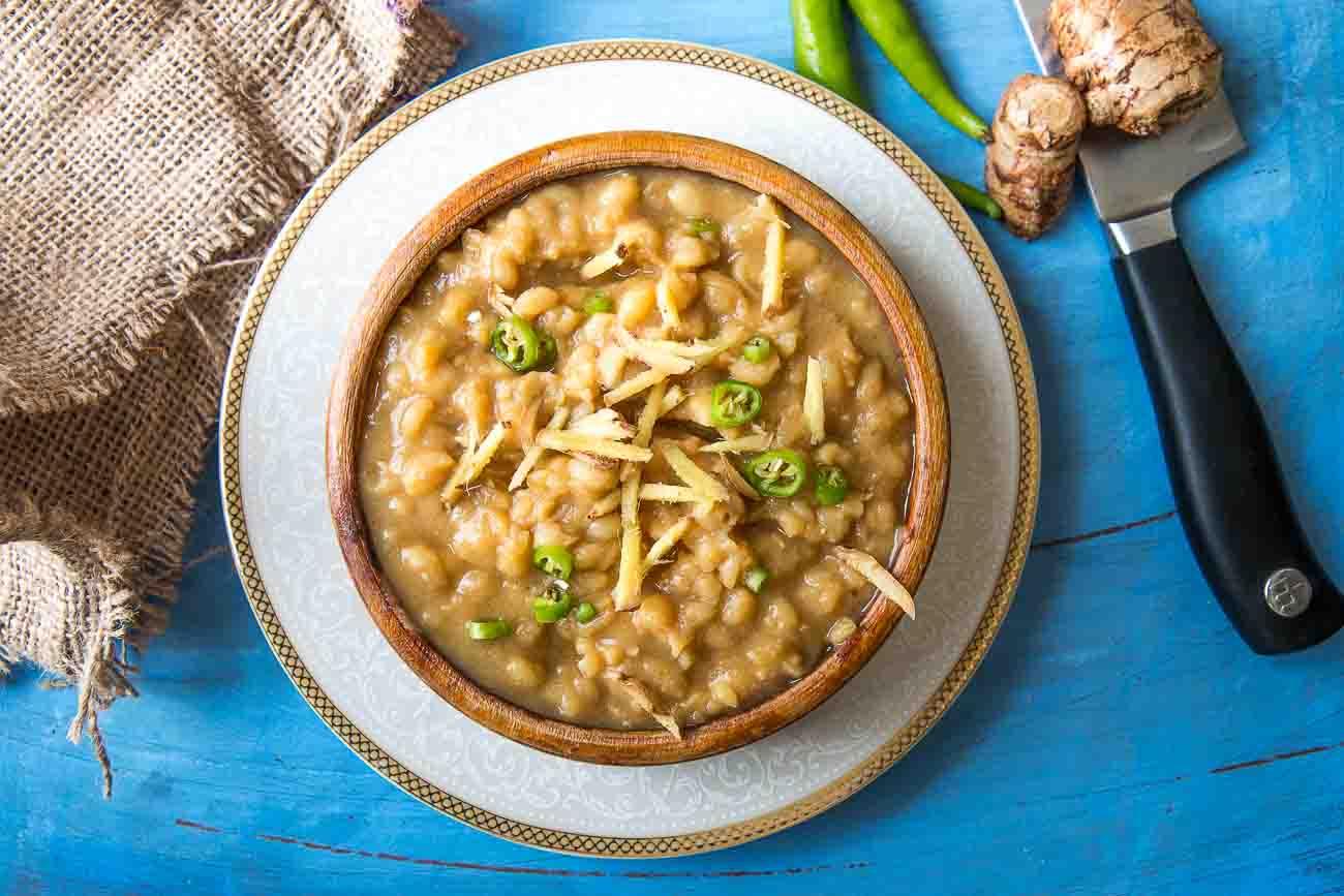 Calcutta Style Ghugni Recipe-Tangy Yellow Peas Curry