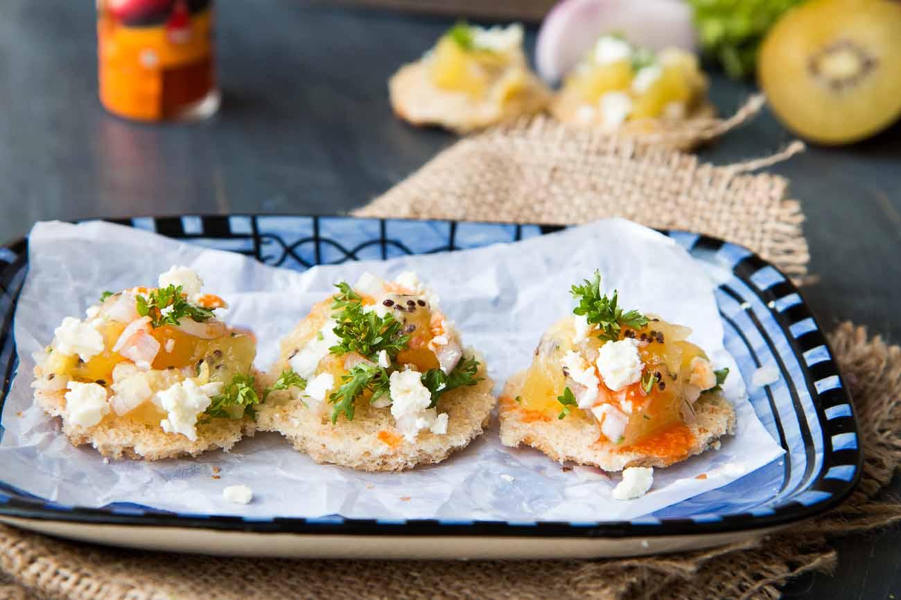 Spicy Kiwifruit Salsa & Feta Toasties Recipe