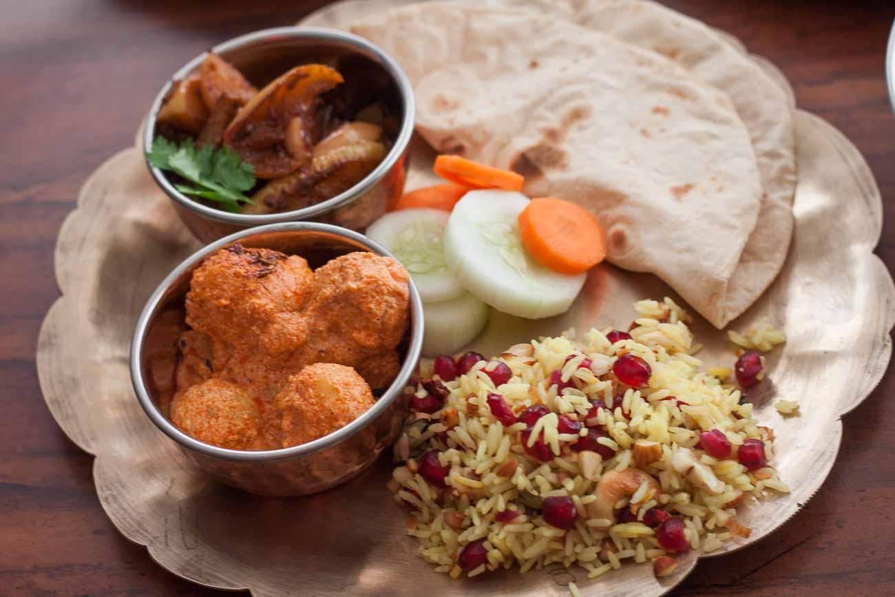 5 indian style healthy lunchdinner plate ideas by archanas kitchen everyday meal plate kashmiri dum aloo apple baingan pulao phulka 1 forumfinder Gallery