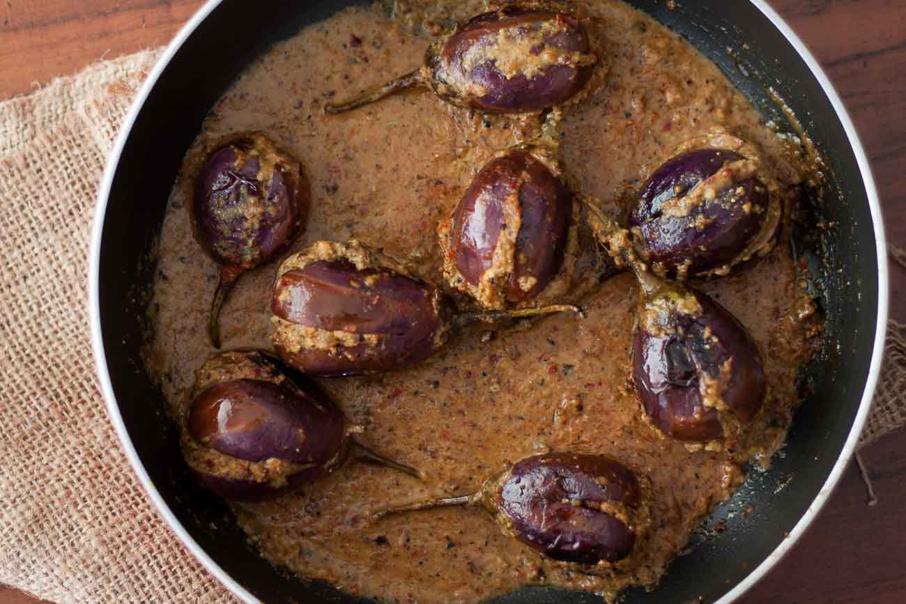 by archanas kitchen parsi style stuffed eggplant recipe in hindi forumfinder Images