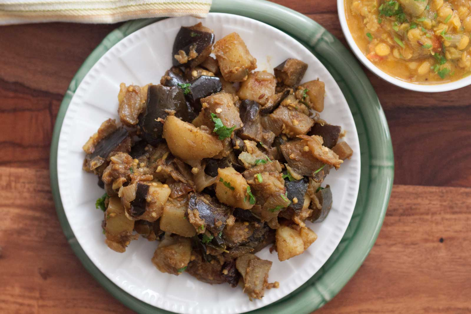 Saunf Wale Aloo Baingan Recipe - Fennel Spiced Potato And Eggplant
