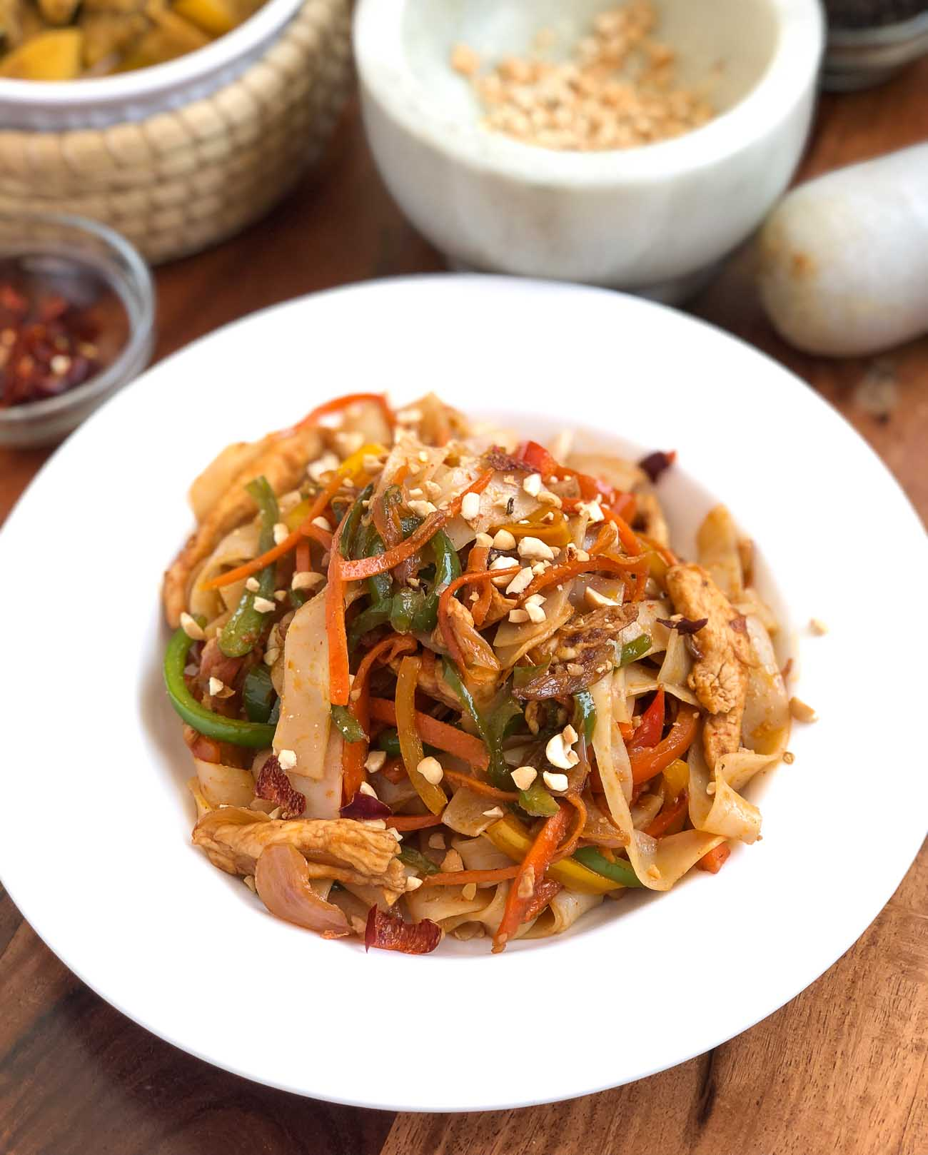 Chicken Pad Thai Noodles Recipe By Archana S Kitchen