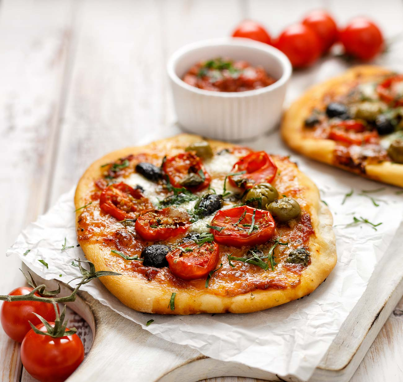 Easy Tomato And Cheese Mini Pizza Recipe