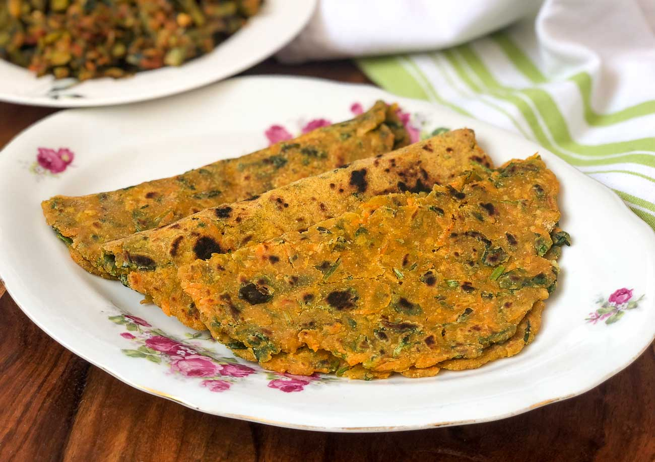 Carrot Methi Jowar Thepla Recipe
