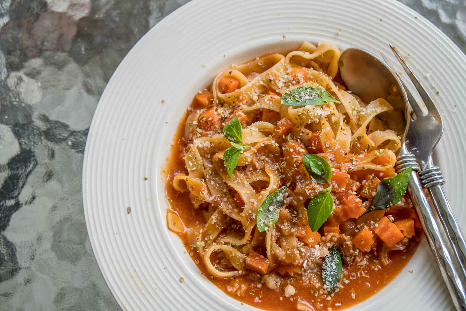 Fettuccine Pasta Recipe With Roasted Red Bell Pepper Sauce