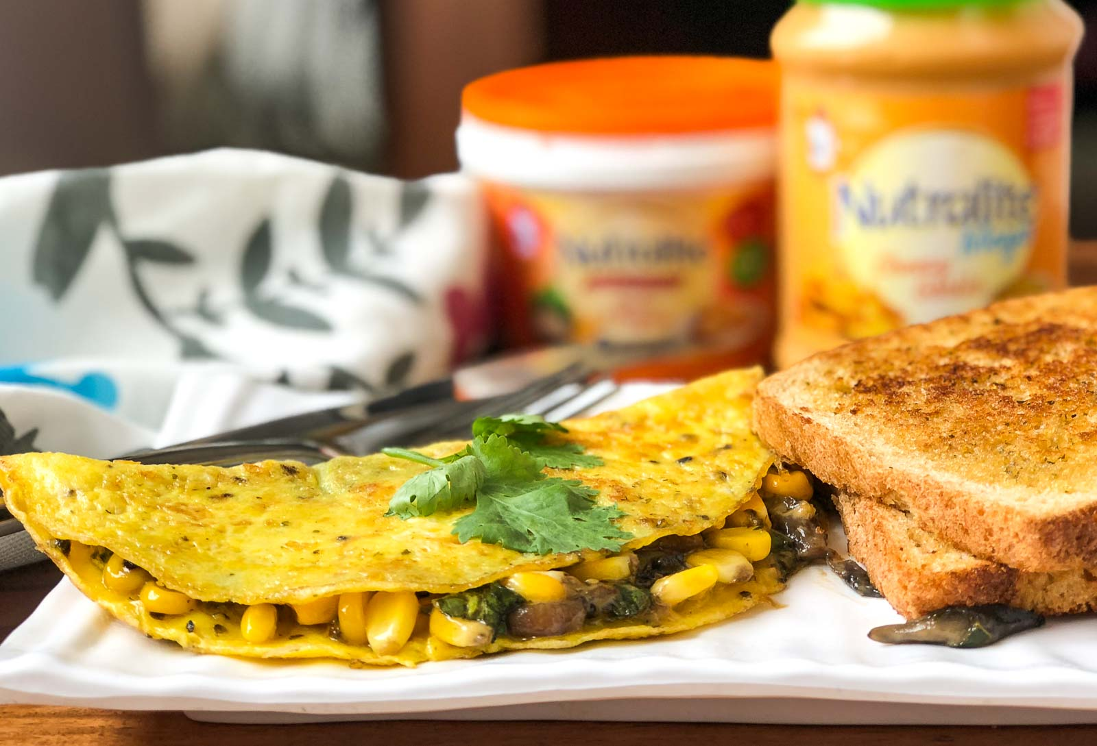 Stuffed Omelette Recipe With Cheesy Garlic Mushroom & Corn