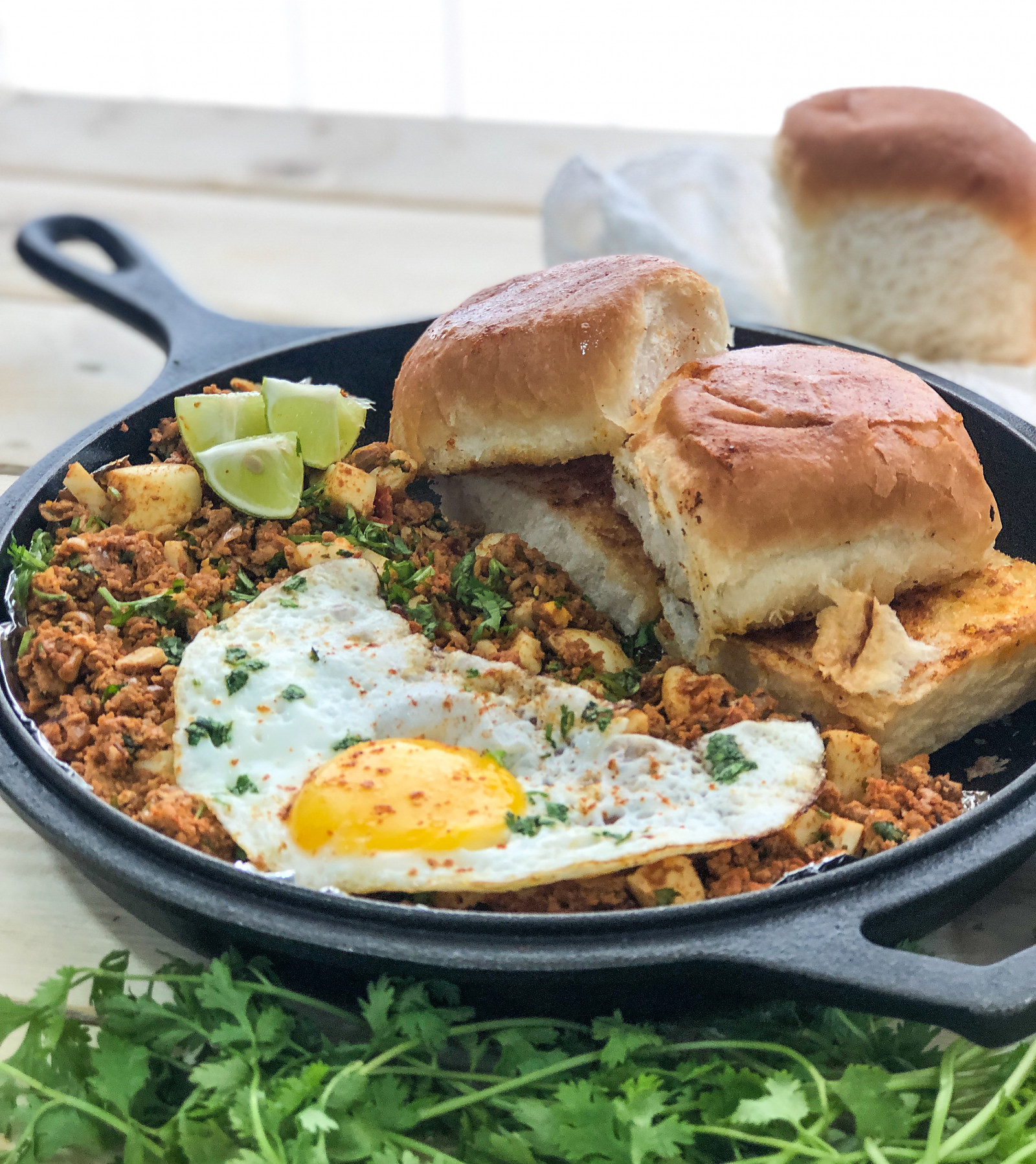 Delicious Breakfast Anda Ghotala Recipe With Butter Pav