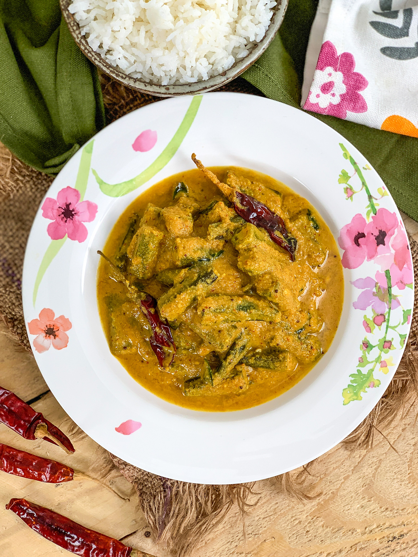 Bendekayi Puli Koddel Recipe - Lady Finger In Coconut Tamarind Curry