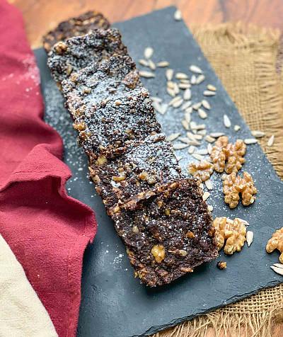 Nutty Chocolate High Fibre Biscuit Cake Recipe
