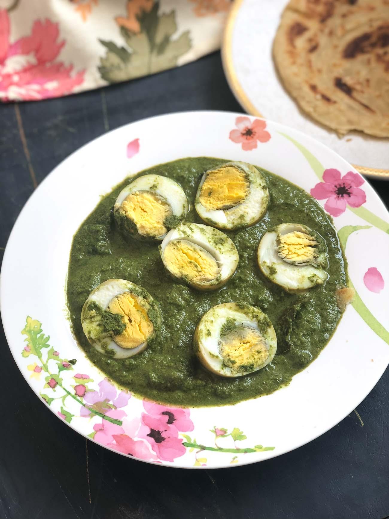 हरियाली अंडे की करी रेसिपी – Hariyali Egg Curry Recipe In Coriander and Mint Gravy