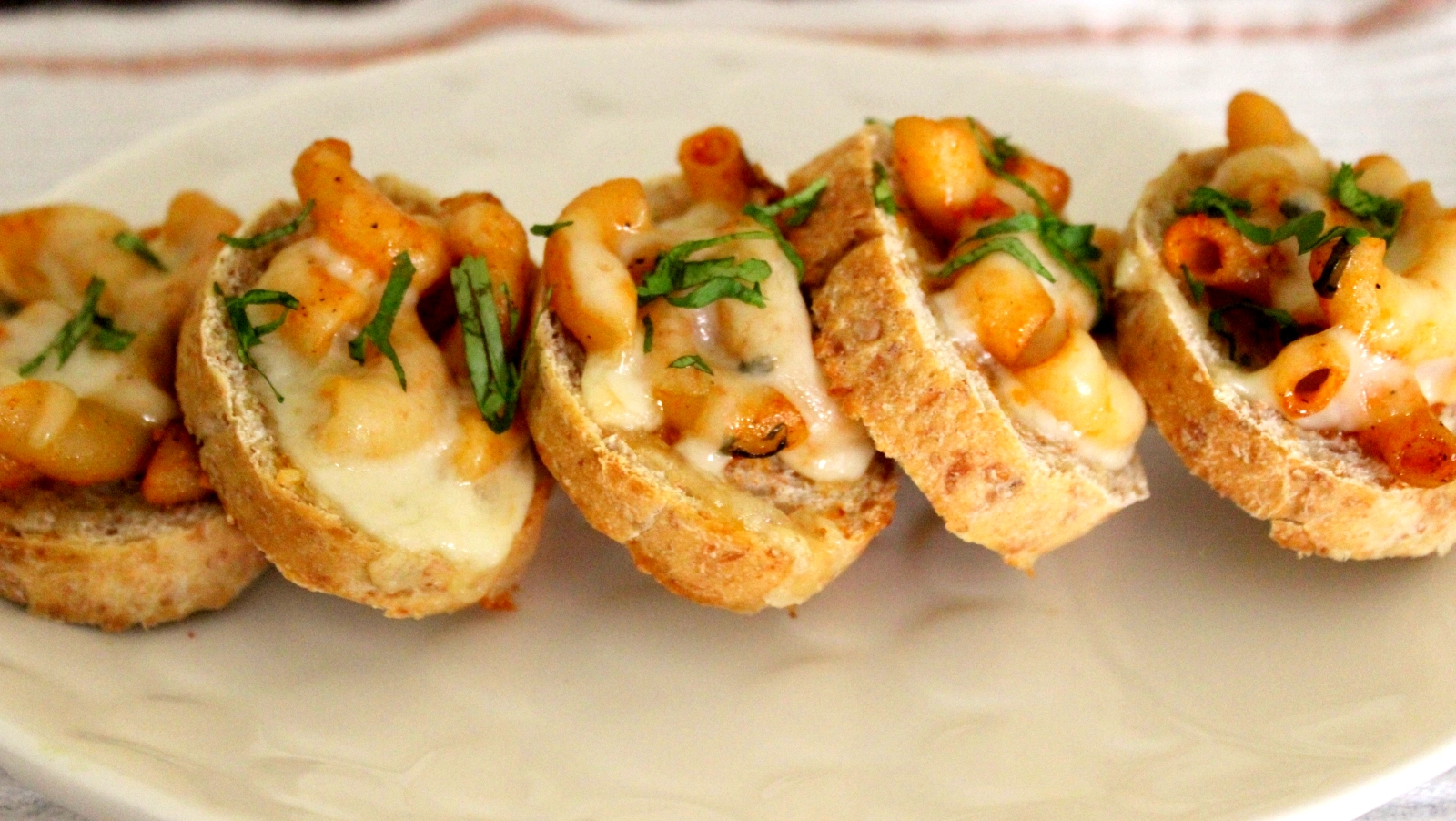Mac and Cheese On Crostini Recipe