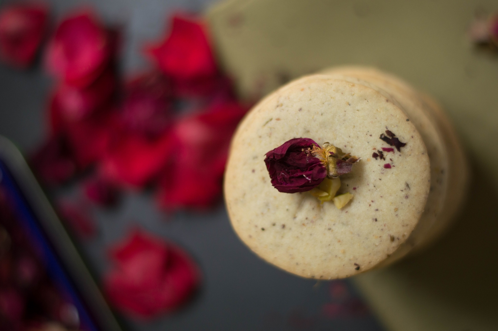 Eggless Thandai Cookies Recipe