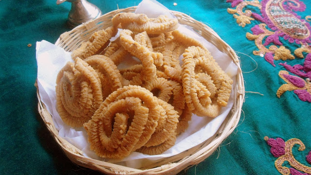 Whole Wheat Flour Chakli Recipe