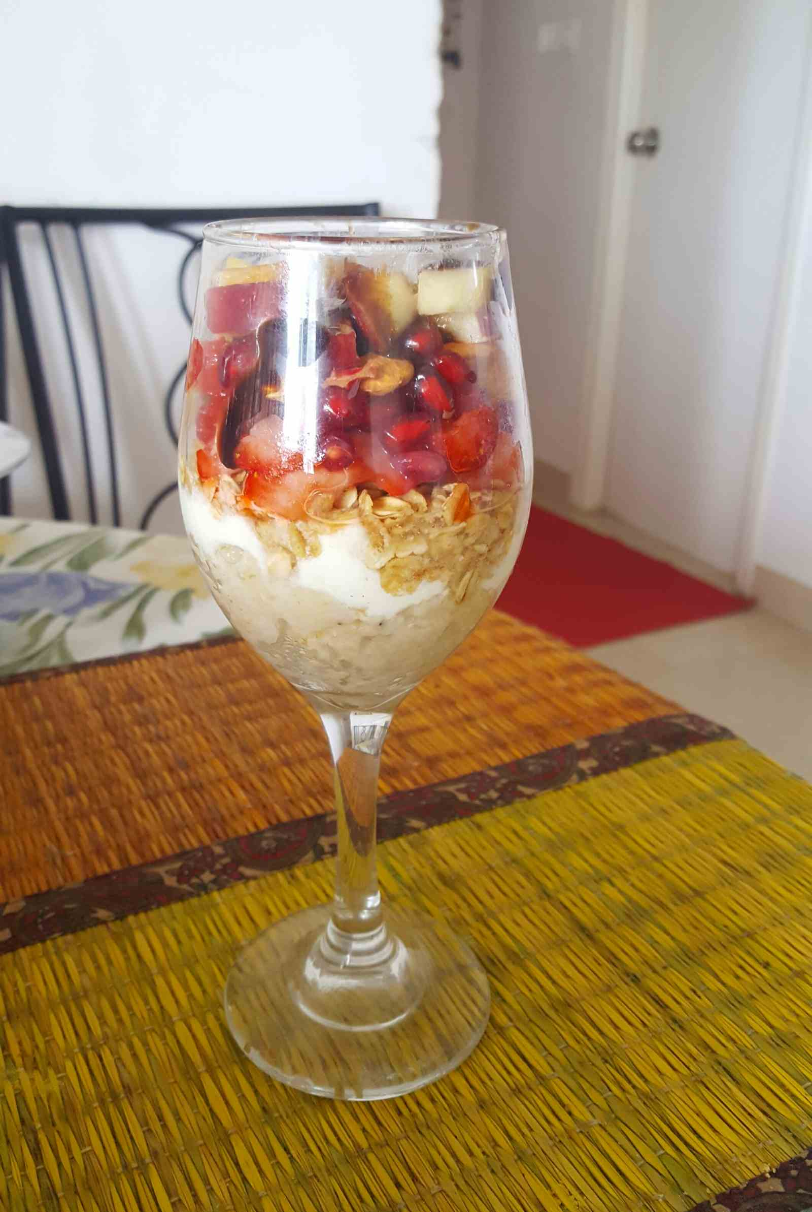 Oats & Yogurt Parfait with Chocolate Almond Topping Recipe