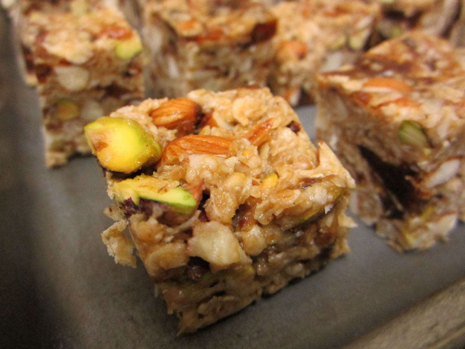 Healthy Oatmeal Energy Bar With Dates & Nuts Recipe