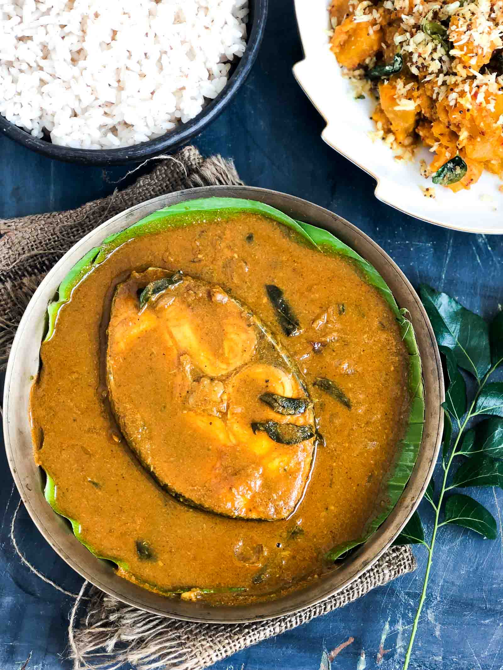 Meen Vevichathu Recipe - Kottayam Style Fish Curry