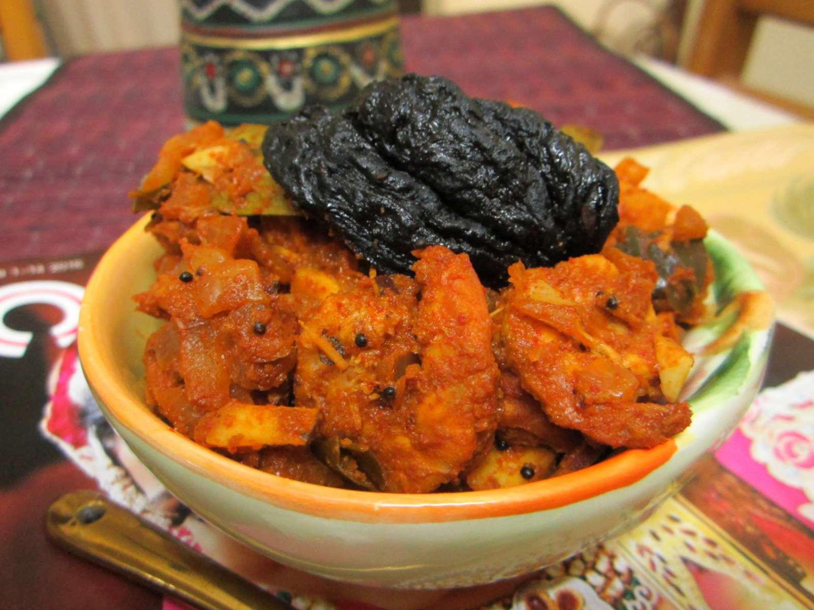 Kerala style konju curry with thengakothu recipe kerala style prawn kerala style konju curry with thengakothu recipe kerala style prawn curry forumfinder Gallery