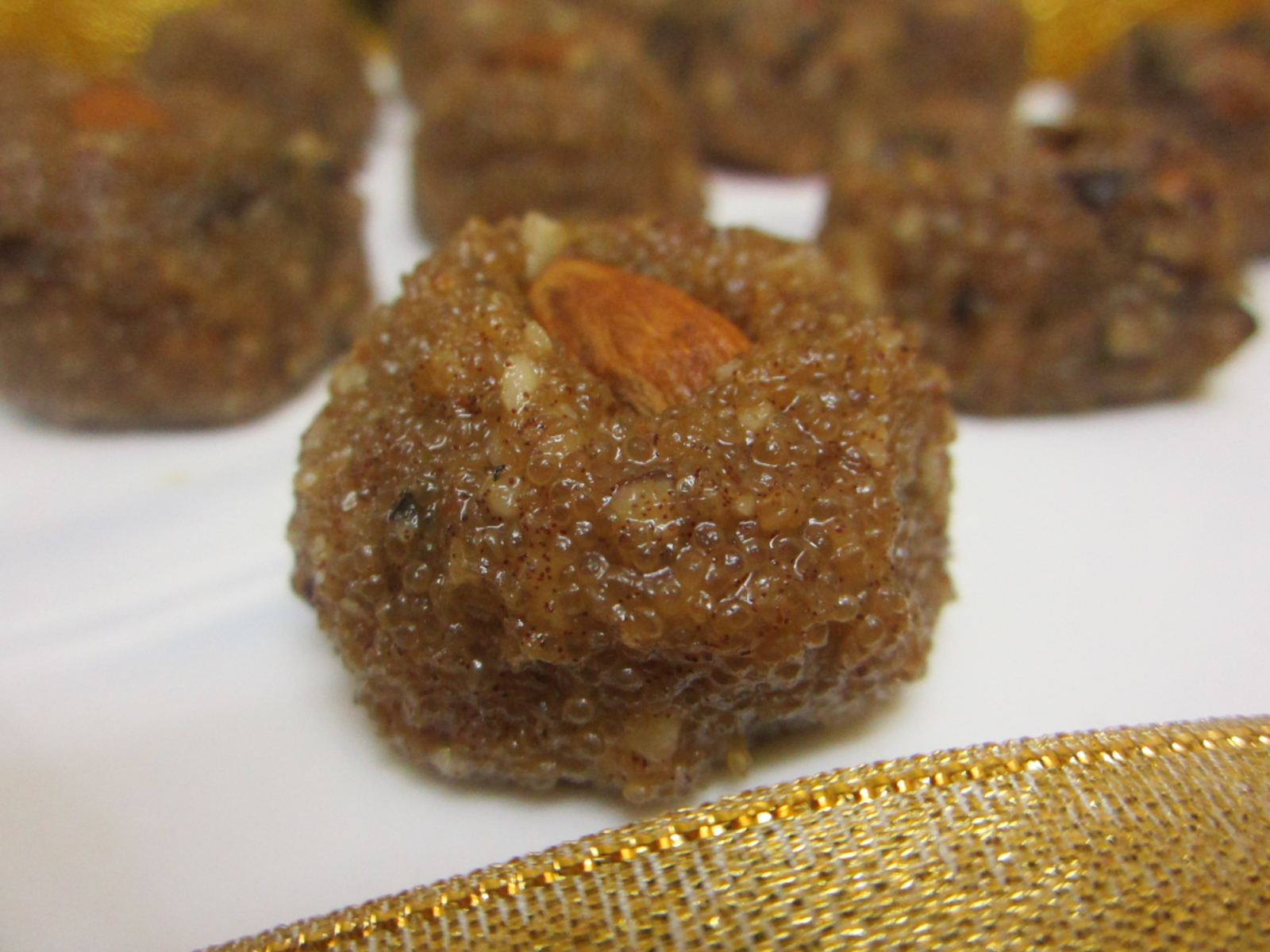Guilt-free Amaranth, Dates and Almond Ladoo Recipe