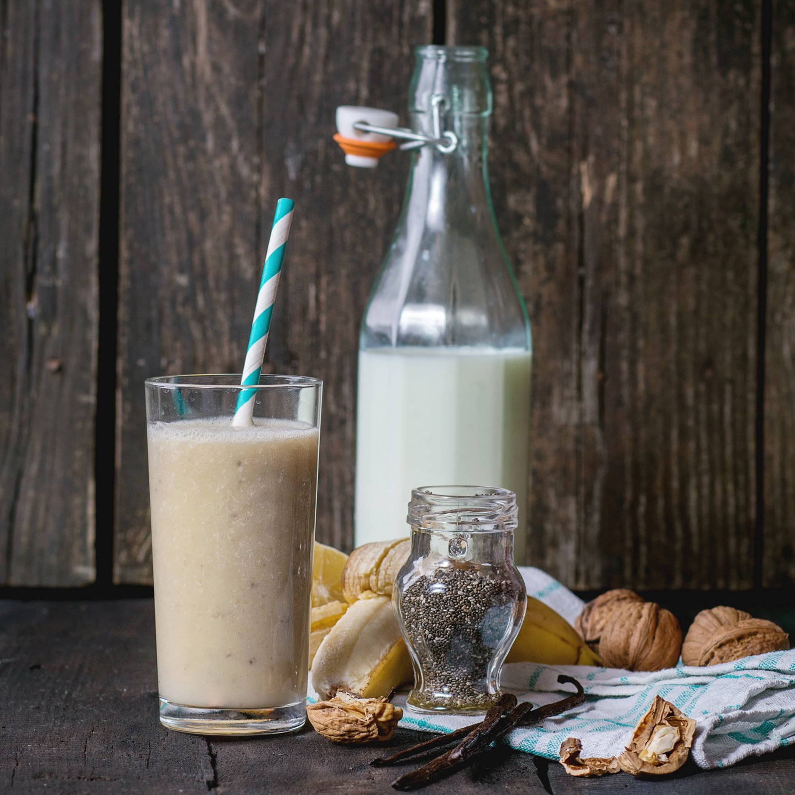 Banana Walnut Chai Smoothie Recipe