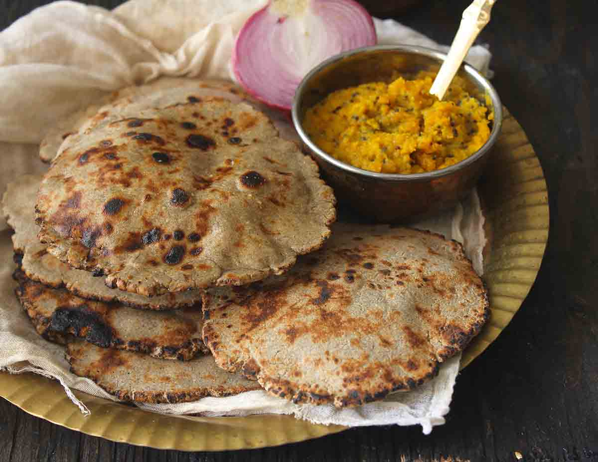 Bajri ki roti recipe by archanas kitchen forumfinder Image collections